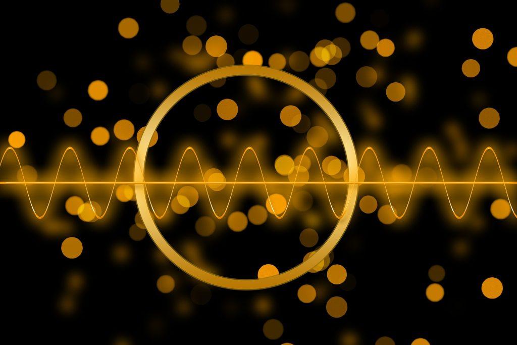 interferenze oro su sfondo nero